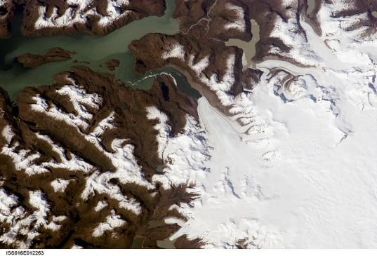Jorge_Montt_Glacier-e1328209670479