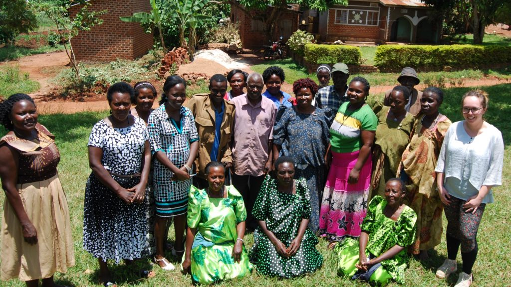 CABI and NARO staff with theKiswa Kwekulakulanya Farmers Group in Uganda