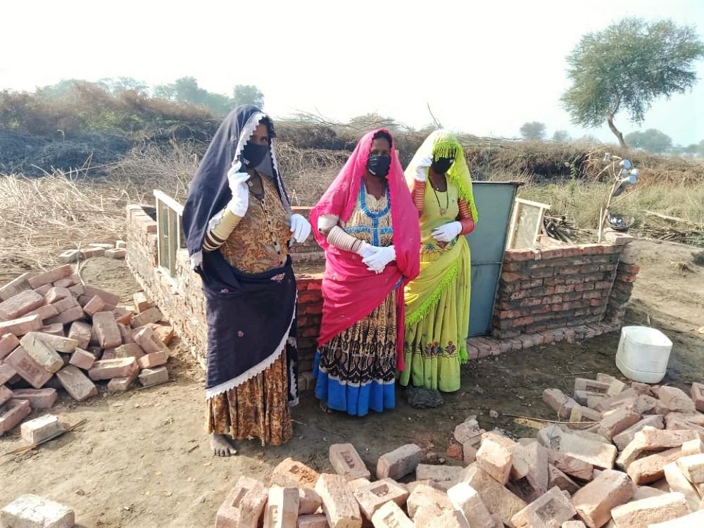 Women-Entrepreneurs-constructing-the-structure-of-poultry-farm-1-